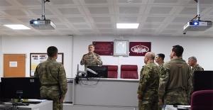 Orgeneral Akar Güneydoğu'daki Birlikleri Ziyaret Etti
