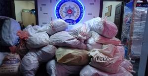 Saman Balyaları Arasına Gizlenmiş Uyuşturucu Yakalandı