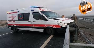 Yaralıları Kutarmaya Giden Ambulans Kaza Yaptı