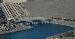 Atatürk Barajı Gölü Kirlilikten Kurtarılıyor