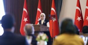 Emine Erdoğan, Ankara'da Yaşayan Suriyeli Kadınları Kabul Etti