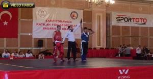 Eyyübiye Belediyesi Sporcuları Madalyaya Doymuyor