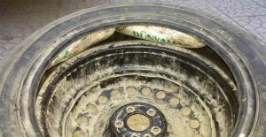 Şanlıurfa'da Stepne Lastiği İçine Gizlenmiş Esrar Ele Geçirildi