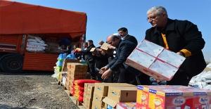 Şanlıurfa'dan Suriyelilere İnsani Yardımlar Sürüyor