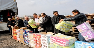 Şanlıurfa'dan Suriyelilere 10 Tır Yardım Malzemesi