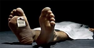 Yaşlı çift yarım saat arayla öldü