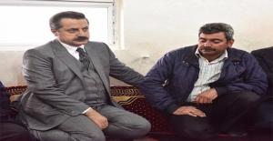 Bakan Çelik Şehit Ailesinin Acısını Paylaştı