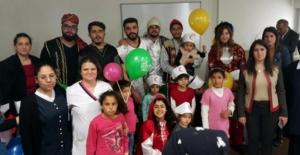 Çocuk Hastalara Tiyatro Sahnelendi
