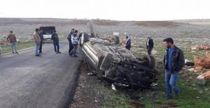 Halfeti'de Otomobil Devrildi: 4 Yaralı