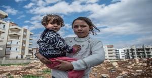 """Şanlıurfa'da Suriyeli Çocuklara """"18 Mart"""" Armağanı"""