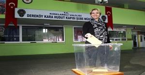 Yurt Dışında Oy Verme İşlemi Başladı