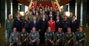 Cumhurbaşkanı Erdoğan Pilotları Kabül Etti