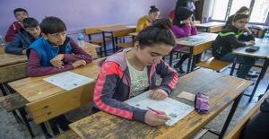 Şanlıurfa'da Öğrencilerin TEOG Heyecanı