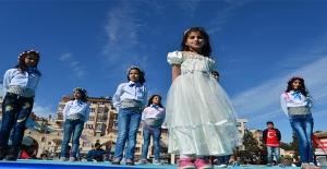 Şanlıurfa'daki Suriyeli Çocukların 23 Nisan Coşkusu