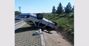 Şanlıurfa-Gaziantep Otoyolunda Otomobil Devrildi: 1 Yaralı
