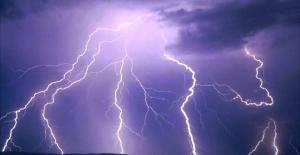 Şanlıurfa'da Gök Gürültülü Sağanak Yağış