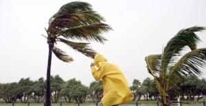 Şiddetli Fırtına Can Aldı