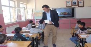 Siverek'te Fedakar Öğretmenden Anlamlı Davranış