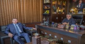 Uğur Büyükhatipoğlu, Sedat Atilla'yı Ziyaret Etti