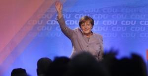 Almanya'da eyalet seçim sonuçları Merkel'in gücünü artırdı