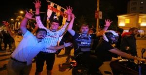Beşiktaş'ın Şampiyonluğuna Urfa'da Coşkulu Kutlama