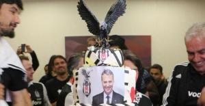 Beşiktaş Şampiyonluk Pastası Kesti