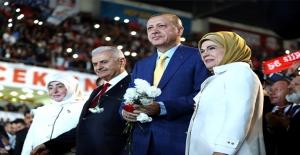 Erdoğan Sevdasına Geri Döndü