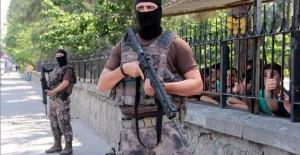 Hakkari'de terör operasyonu: 40 kişi gözaltında