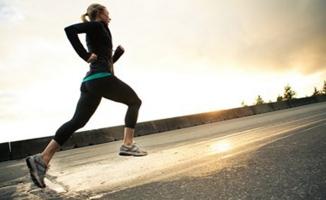 Bir saatlik koşu hayatınıza 7 saat ekleyebilir