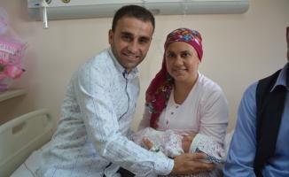 Böbrek naklinden sonra 2'nci çocuğunu doğurdu