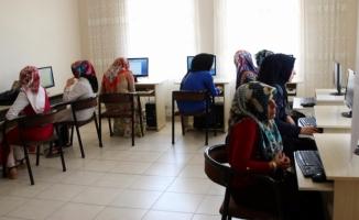 Haliliye Belediyesinden Kadınlara Bilgisayar Kursu