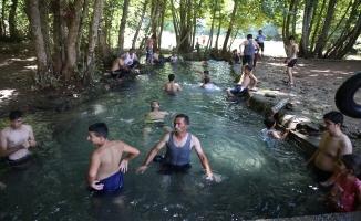 Sıcaktan Bulanan Urfalılar Bozova'ya Akın Ediyor