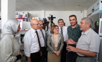 Başbakan Yardımcısı Şimşek Gaziantep'te esnafla buluştu
