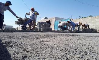 Ceylanpınar'da kilitli parke taşı çalışmaları aralıksız sürüyor