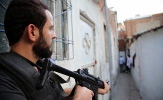Diyarbakır'da 300 polis ile uyuşturucu operasyonu