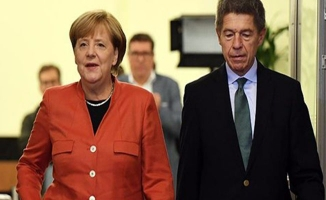 Almanya'da sandık çıkış anketinden merkel çıktı