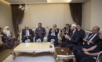 Başbakan Yıldırım 15 Temmuz şehidinin ailesini ziyaret etti