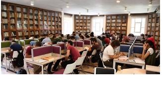 Büyükşehir Kütüphanelerine Yoğun İlgi