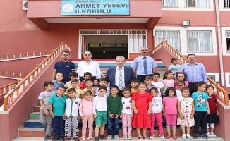 Demirkol, Ahmet Yesevi'de Öğrencilerle Buluştu