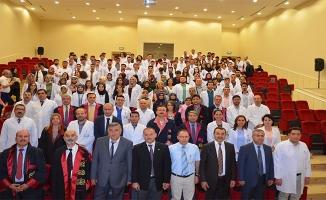 Doktor adayları beyaz önlük giydiler