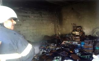 Haliliye'de kozmetik dükkanı kül oldu
