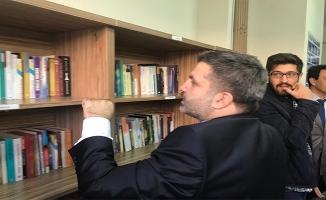 MÜSİAD Siverek'te kütüphane açtı