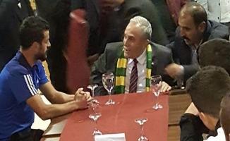 Bakan Fakıbaba'dan Urfaspor'a destek ziyareti