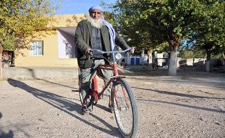 40 yaşından sonra tanıştığı bisikletinden ayrılamıyor