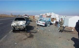 Şanlıurfa'da 2 otomobil çarpıştı: 7 yaralı