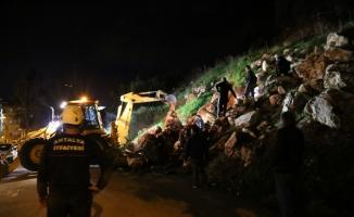 Antalya'da kedi kurtarma operasyonu