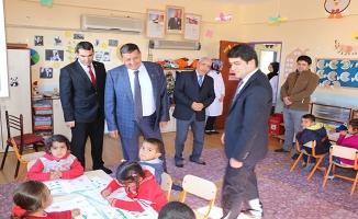 Harran'da Çelik ve Özyavuz okulları denetledi