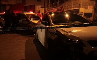 """Polisin """"dur"""" ihtarına uymayan kişiye otomobil çarptı"""