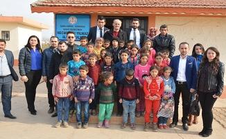 Siverek'te şehit öğretmenin babası oğlunun okulunda