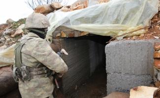 """Teröristlerin 300 metrelik """"televizyonlu"""" tüneli görüntülendi"""